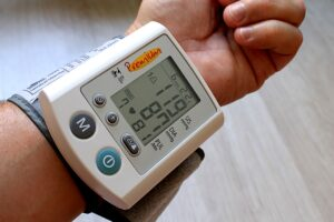 So sichern die Pflegekräfte eine professionelle Bewohnerversorgung in Pflegeheimen