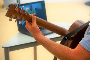 Altenpflege auf neuen Wegen - Musiktherapie trifft Digitalisierung